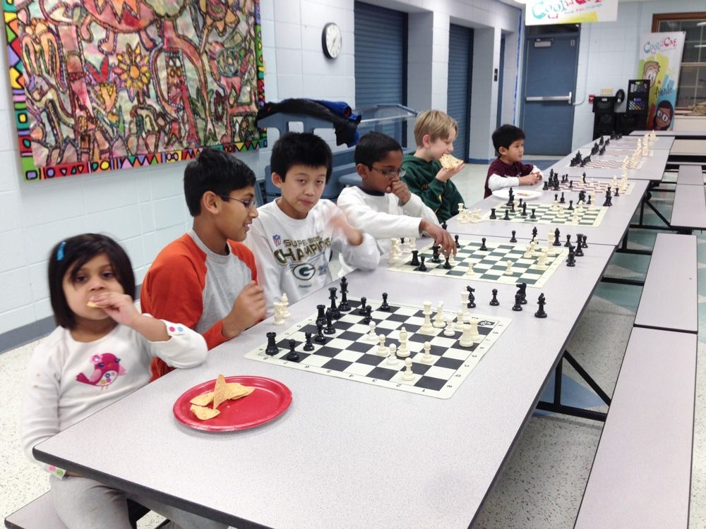 2013-chess-club-holiday-party-004