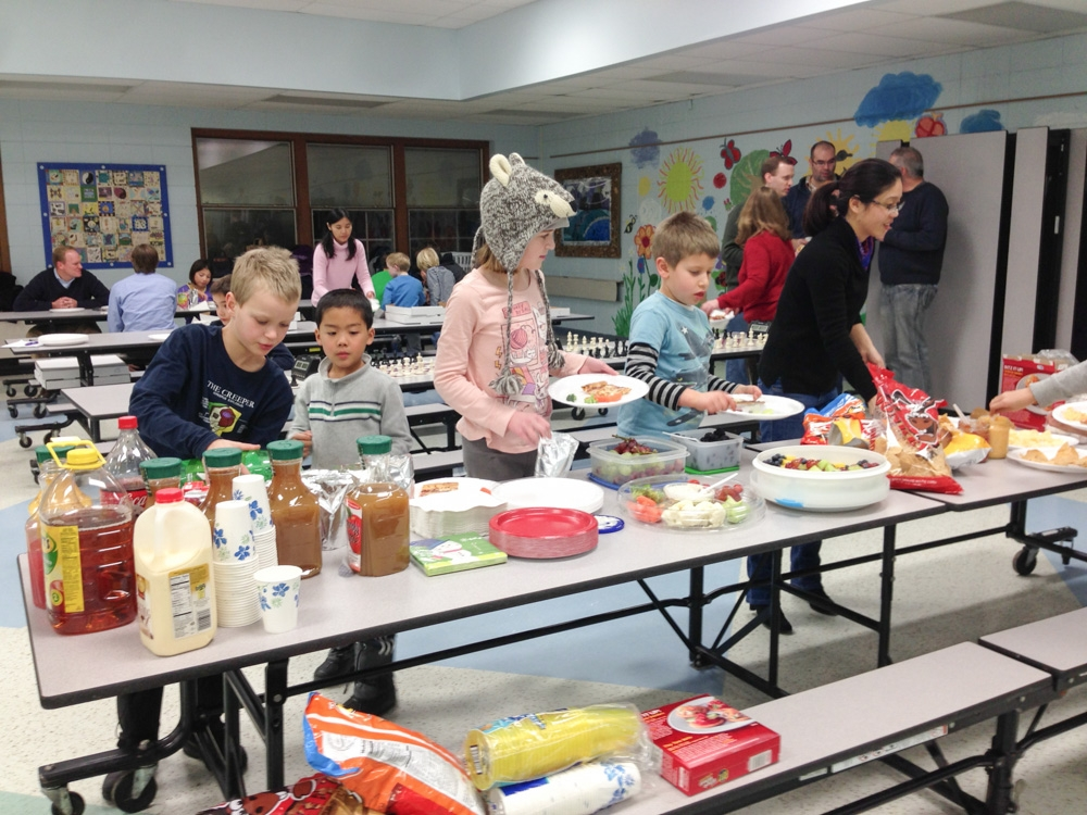 2013-chess-club-holiday-party-005