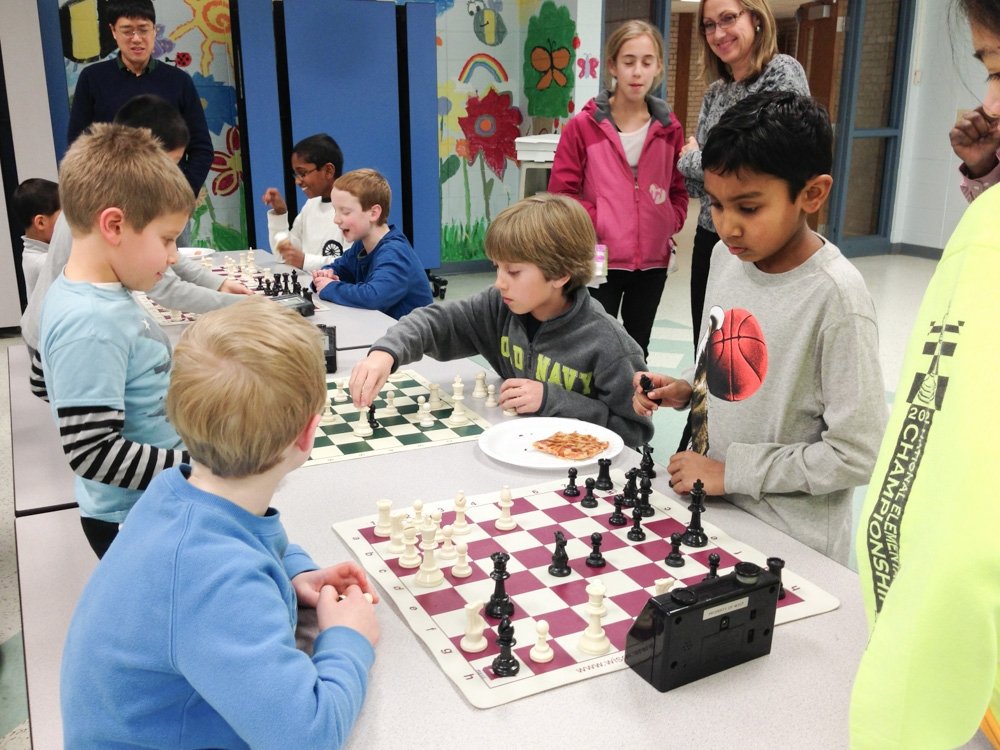 2013-chess-club-holiday-party-006