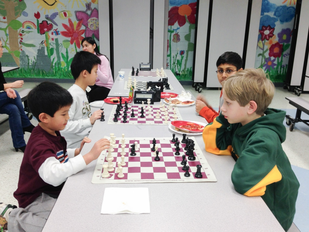 2013-chess-club-holiday-party-007