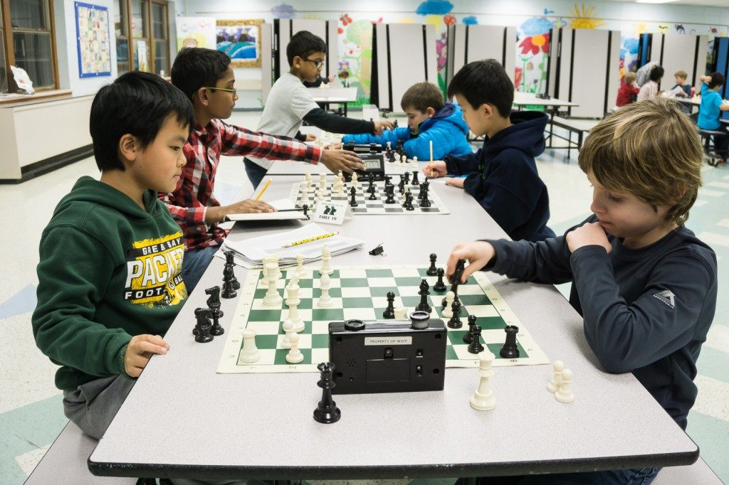 2015-chess-club-night-003